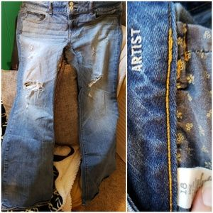 AE artists long distressed jeans